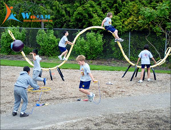 Vì tương lai của trẻ, hãy để trẻ được vui chơi và vận động thể chất